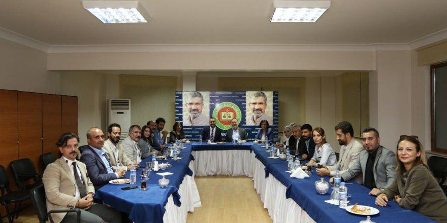 HDP Eş Genel Başkanı Sezai Temelli'den baro ziyareti
