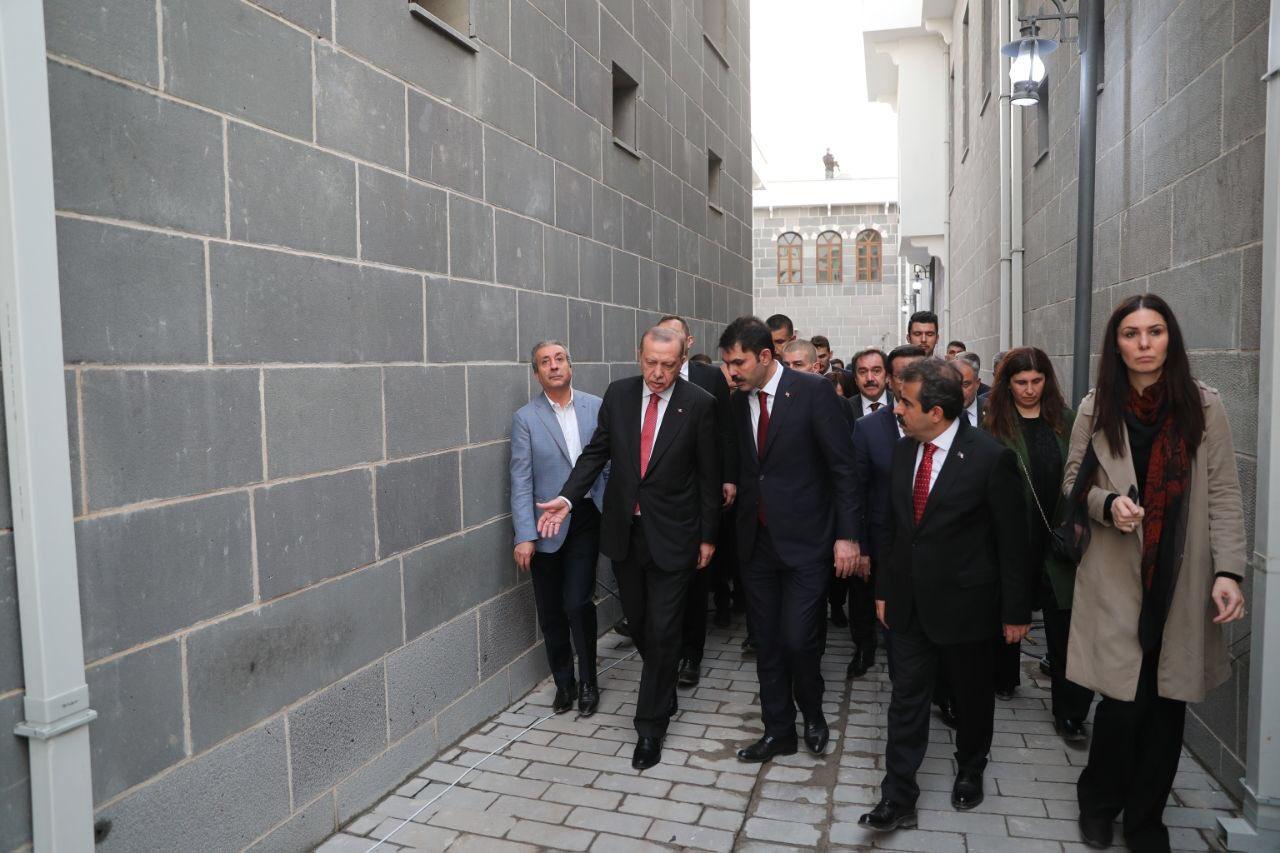 Erdoğan Sur sokaklarında