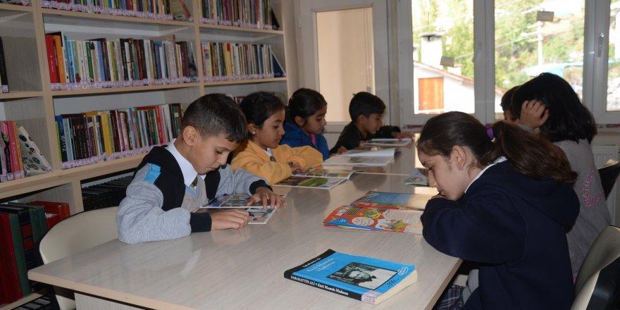 Beytüşşebaplı öğrenciler kütüphane için sıra bekliyor