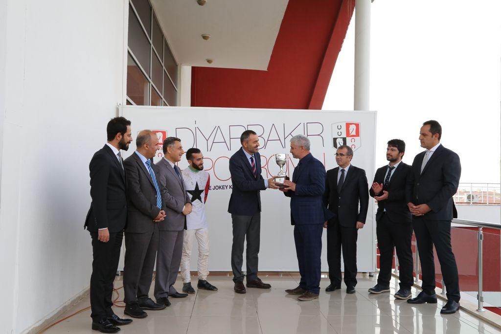 Diyarbakır Barosu Kupası'nı 'ÇİĞ' kazandı