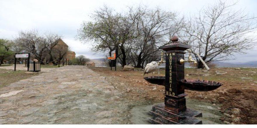 Van Gölü'ndeki Akdamar Adası İçme Suyuna Kavuştu