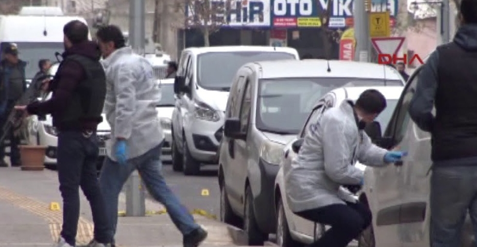 Diyarbakır'da adliye çıkışı silahlar konuştu: 1 ölü
