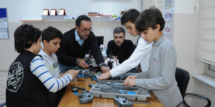 """Geleceğin """"El Cezeri""""leri Diyarbakır'da yetişiyor"""