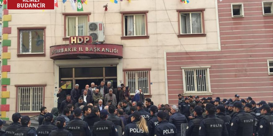 HDP Diyarbakır İl Binası önüne polis yığınağı