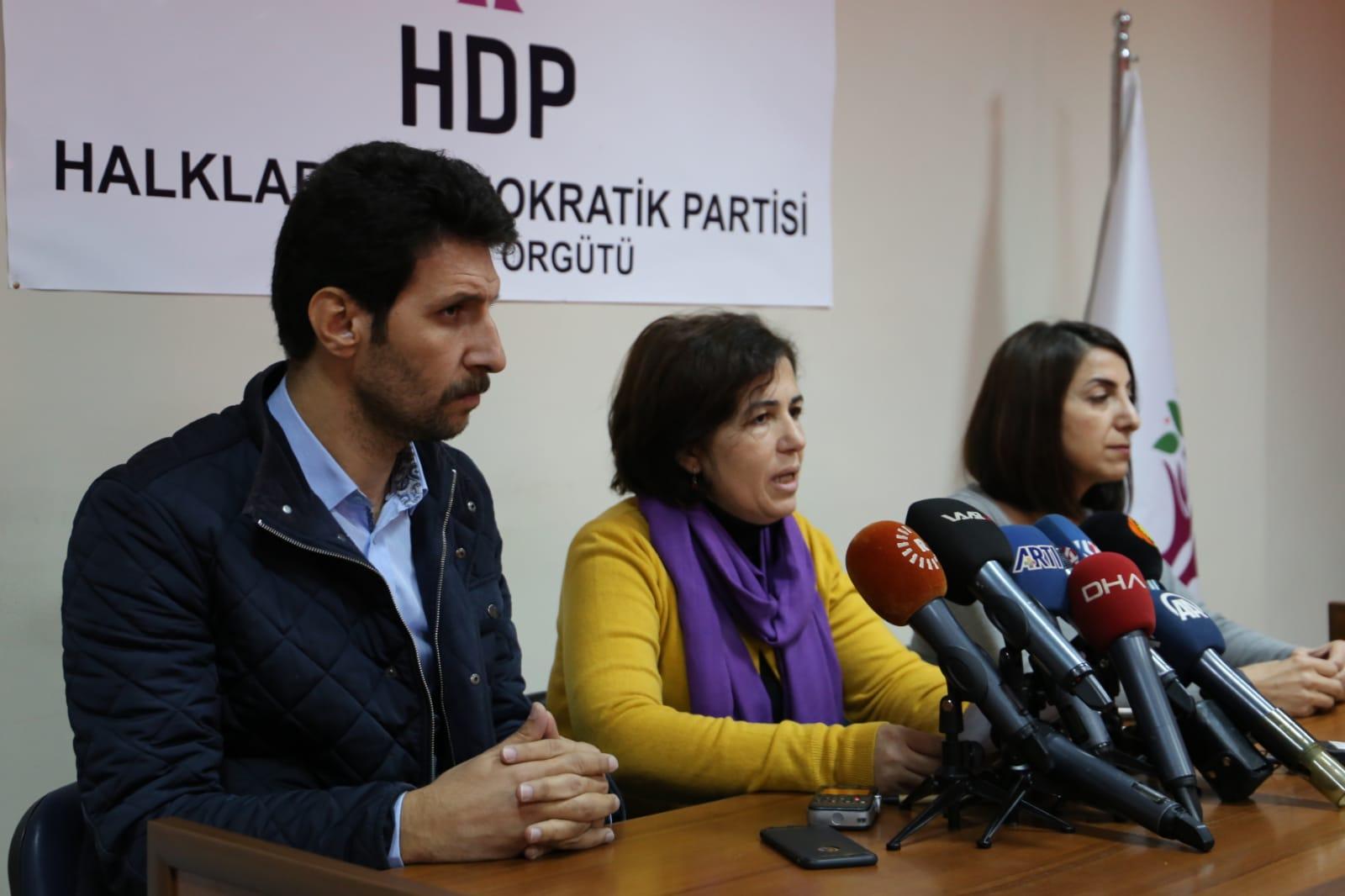 HDP seçim startını Diyarbakır'dan verdi