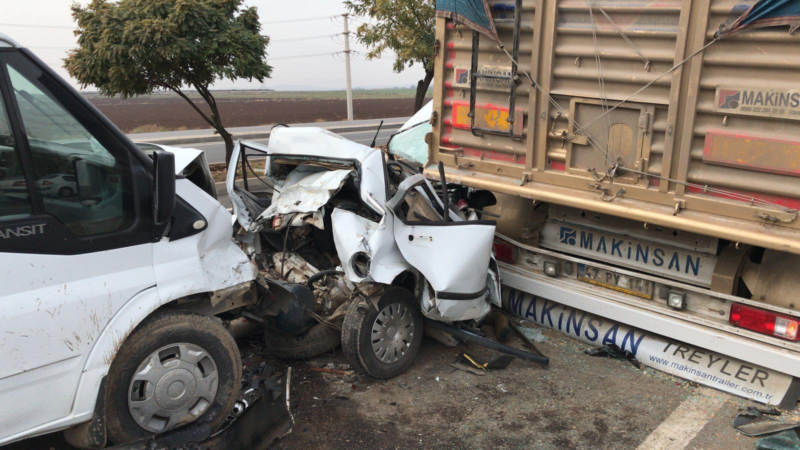VİDEO- Ergani yolunda kaza: 1'i ağır 3 yaralı