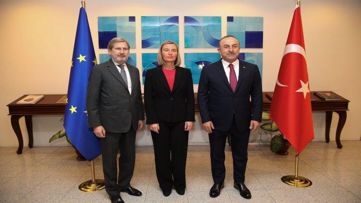 Mogherini ile Çavuşoğlu ortak toplantısı: Demirtaş bırakılmalı