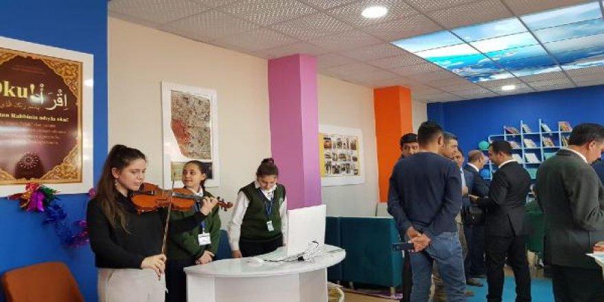 İdil'in ilk zenginleştirilmiş kütüphanesi keman dinletisiyle açıldı