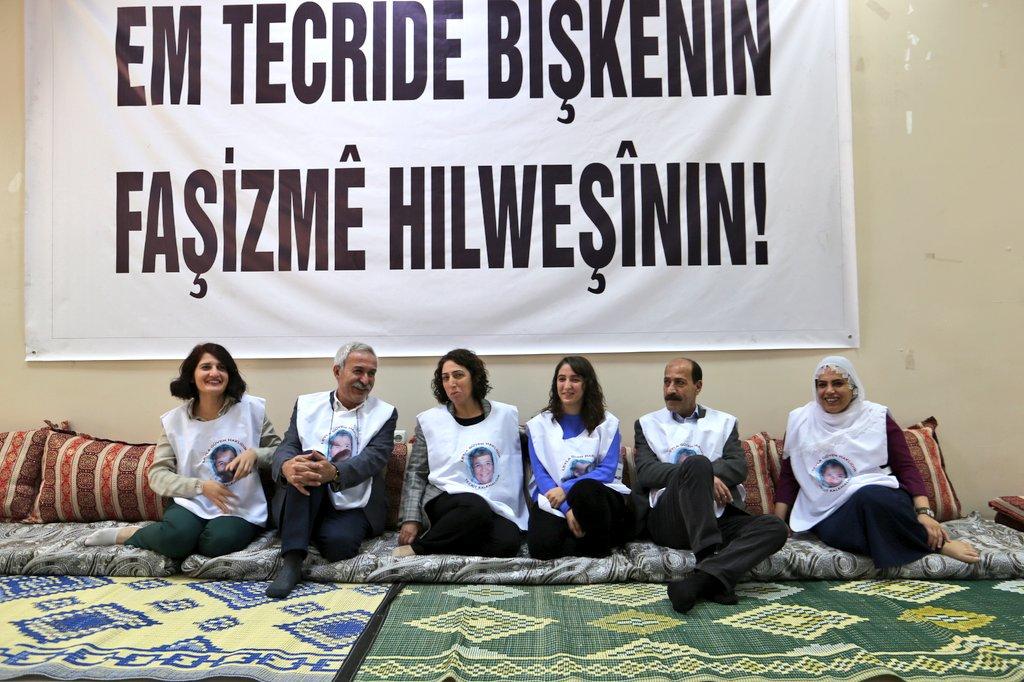 HDP'li vekiller Diyarbakır'da açlık grevine başladı