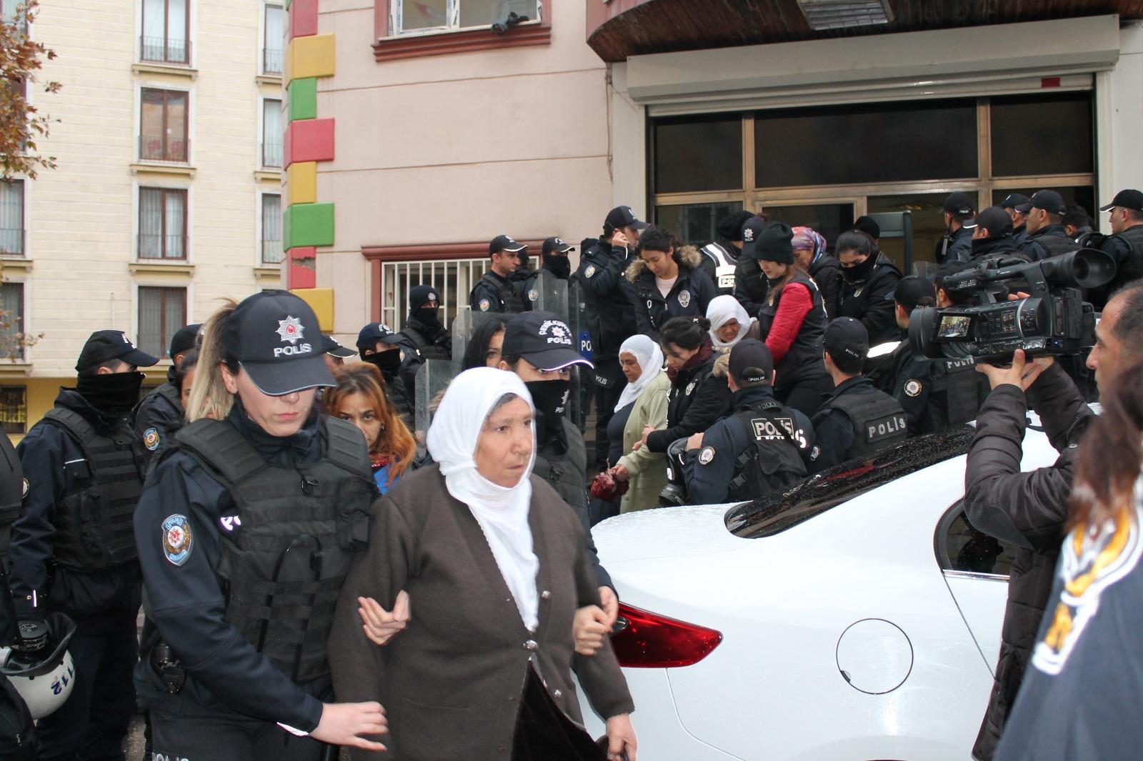 HDP'den gözaltılara ilişkin açıklama: Geri adım atmayacağız