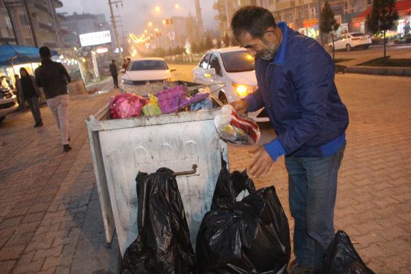 6 Çocuk Babası, çöplerden topladıkları ile ailesini geçindiriyor
