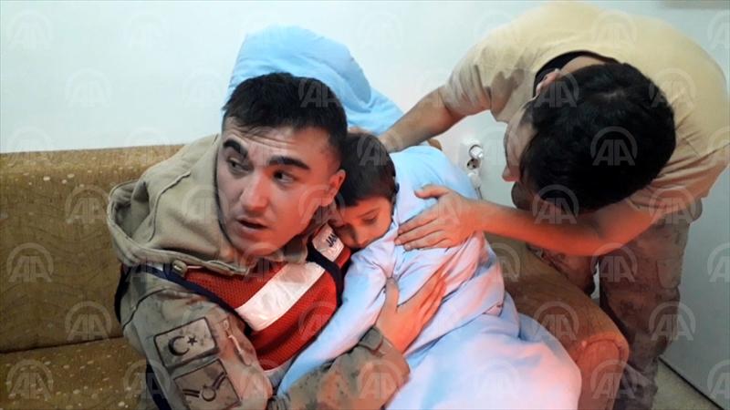 Şanlıurfa'da kaybolan çocuk donmak üzereyken bulundu