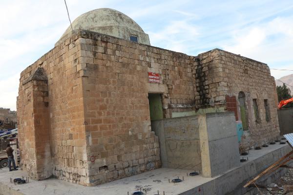 2 bin 500 ton ağırlığındaki caminin son bölümü taşınıyor