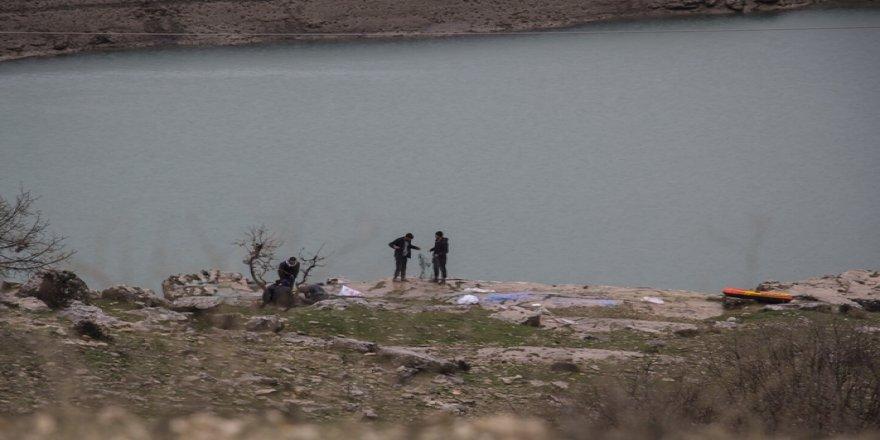 Su seviyesi düştü, balıkçılar bayram etti