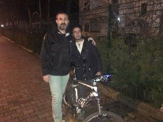 VİDEO- Kuşçu Kadir yeni bisikletine kavuştu