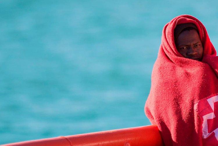 Mültecileri taşıyan tekne battı: 117 kişi kayıp