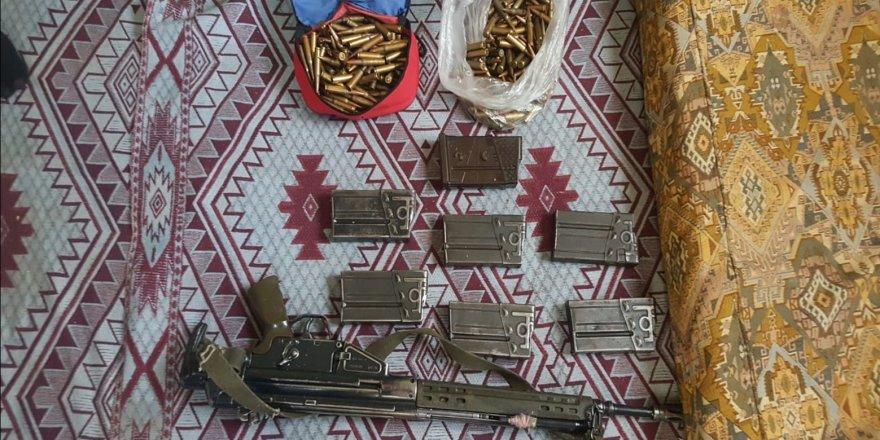 Diyarbakır'daki operasyonda  8 adet sığınak bulundu
