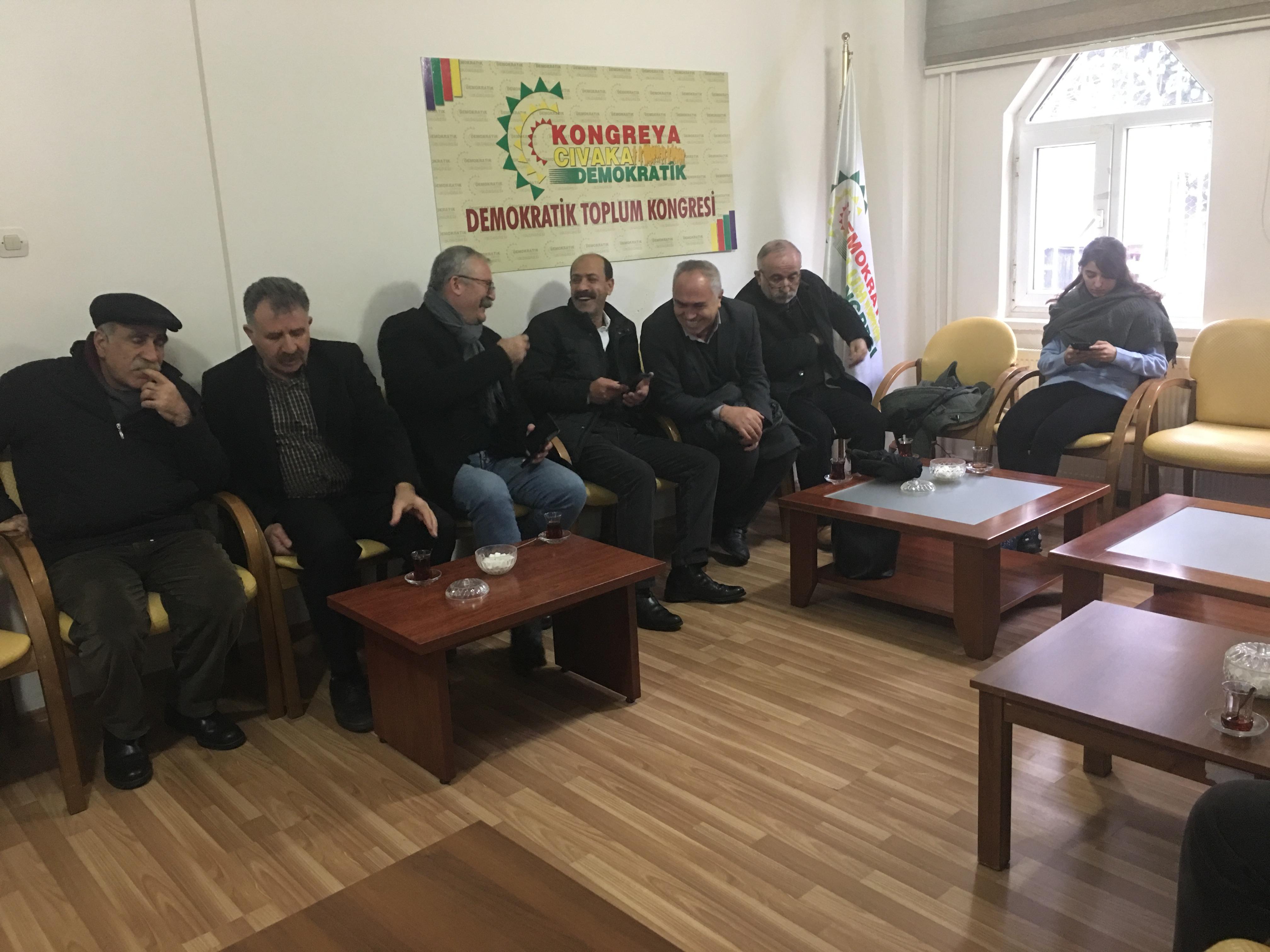 Video- Diyarbakır'da Leyla Güven için nöbet eylemi