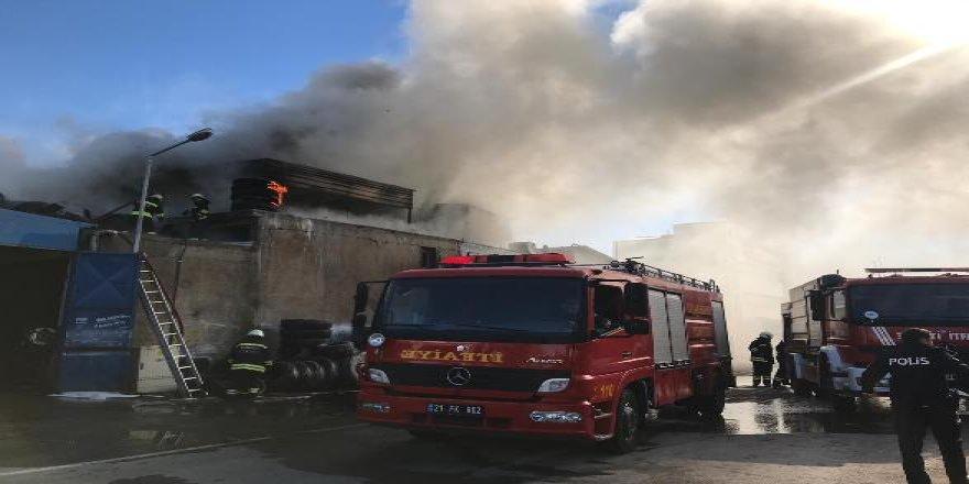 Diyarbakır'da lastik kaplama atölyesinde yangın