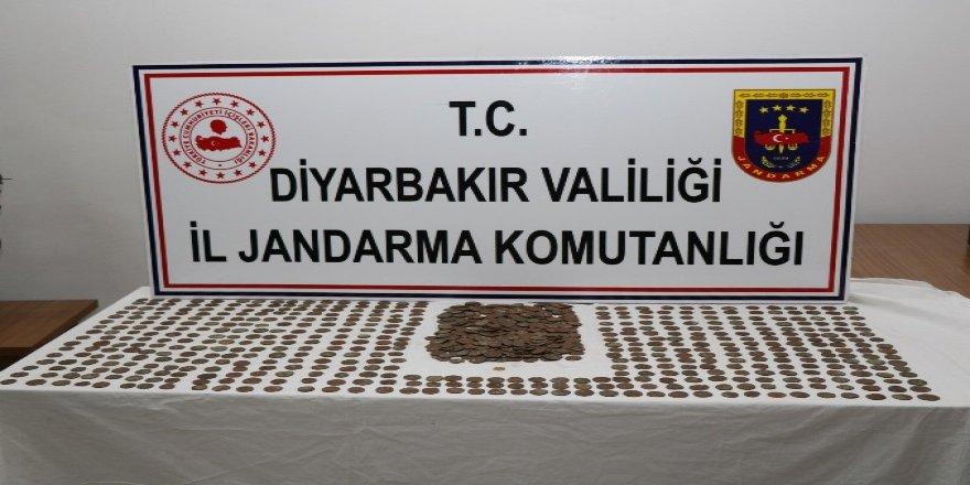 VİDEO- Roma ve Bizans dönemine ait altın ve bronz sikkeleri satmaya çalışırken yakalandı