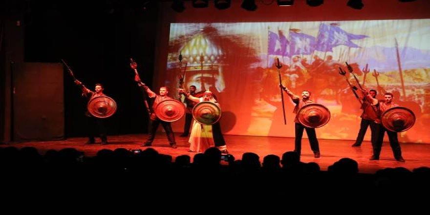 """Mardin'de """"Anadolu Efsaneleri"""" gösterisi"""