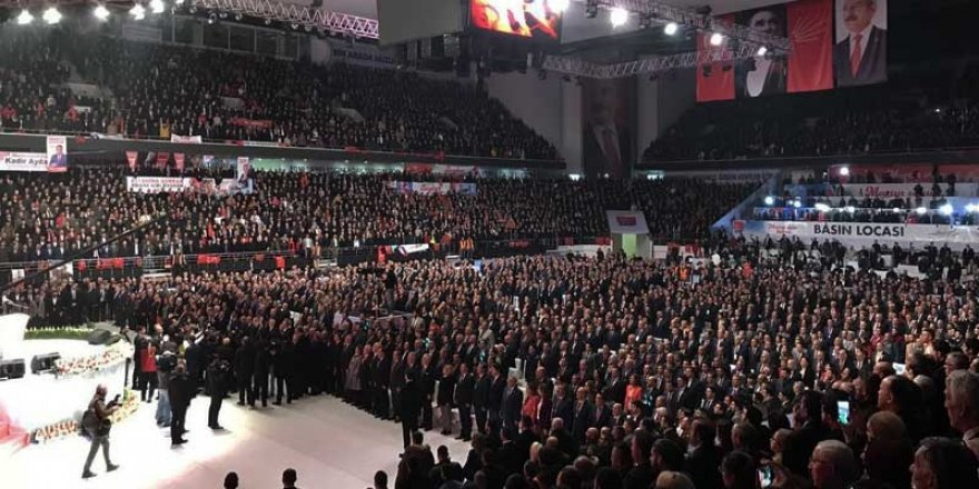 """""""Türkiye bir avuç tefeciye teslim edildi"""""""