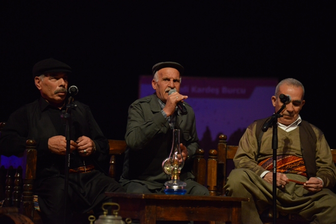 "Dengbejlerden Diyarbakırlılara ""stran"" ziyafeti"