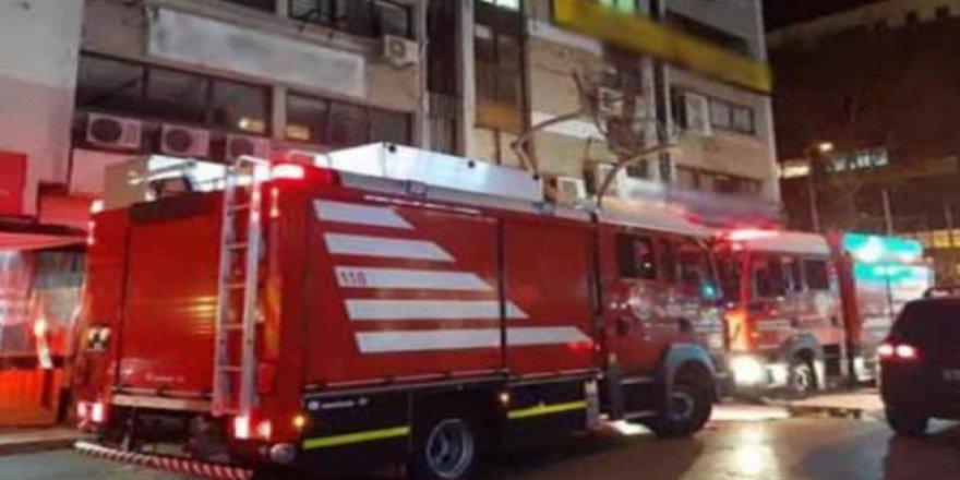 HDP İzmir İl Binası'nda yangın