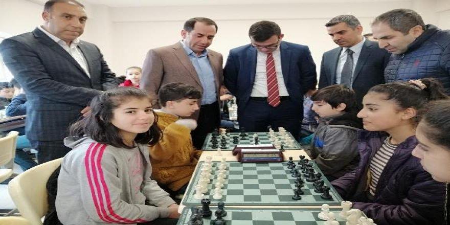 13 ilçede satranç şöleni