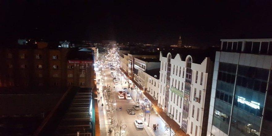 Tigris yazdı, tarihi Caddeler ışıklandırıldı