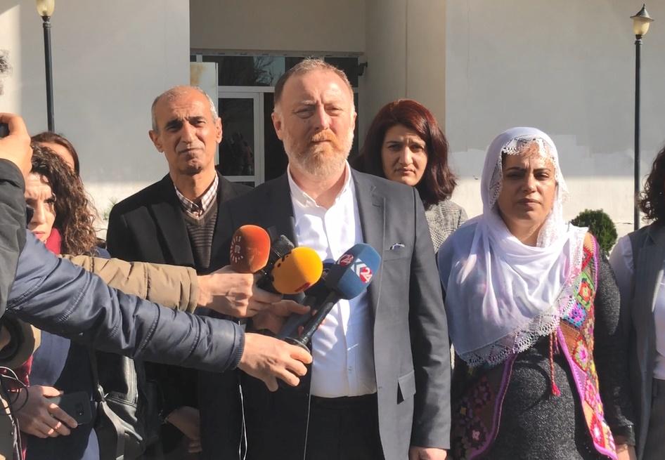 VİDEO- Temelli, açlık grevindeki Leyla Güven'i evinde ziyaret etti