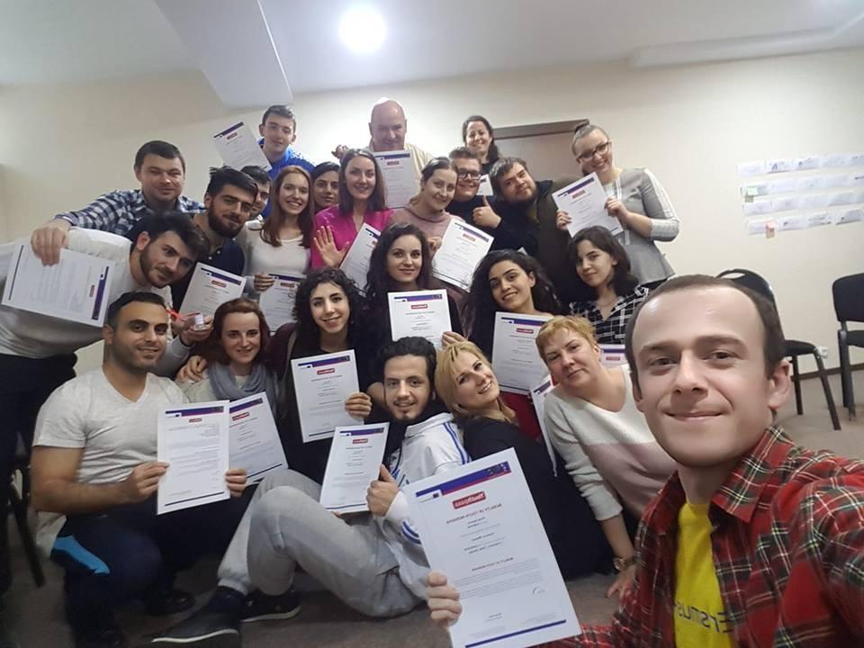 Diyarbakırlı 3 genç Gürcistan'a gönderildi