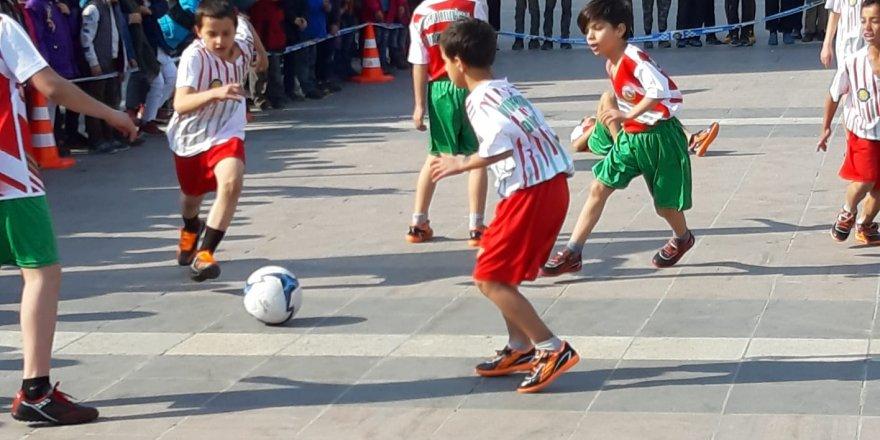 Sokak futbolu ruhu yeniden canlandı