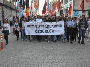 Adana Adliyesi'ne Gezi yürüyüşü