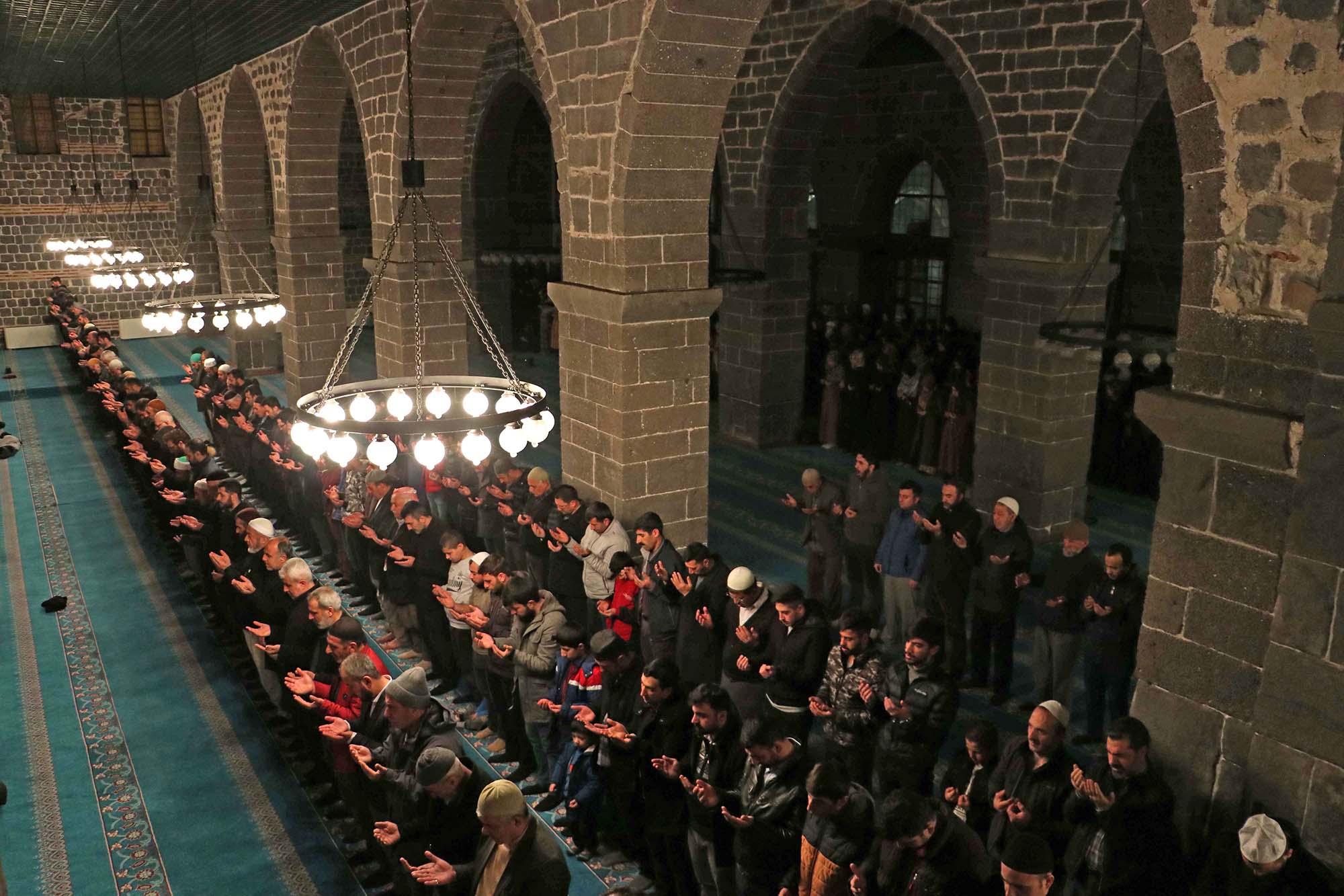 Diyarbakır'da, Yeni Zelanda'da hayatını kaybedenler için gıyabi cenaze namazı