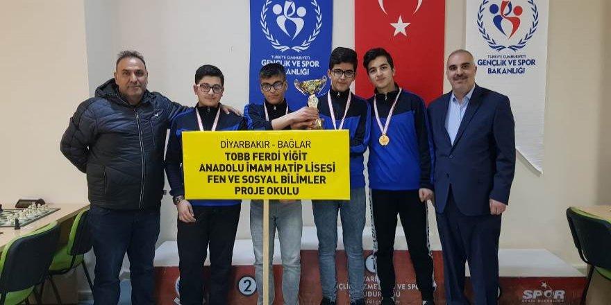 Diyarbakır'da Satrancın Kralı Onlar