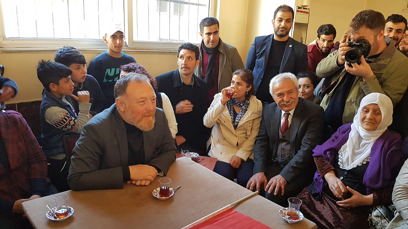 HDP'li Temelli, Sur'da vatandaşlarla bir araya geldi