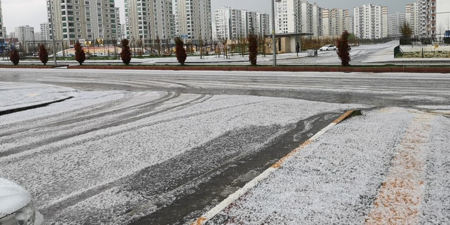 VİDEO-Diyarbakır beyaza büründü!