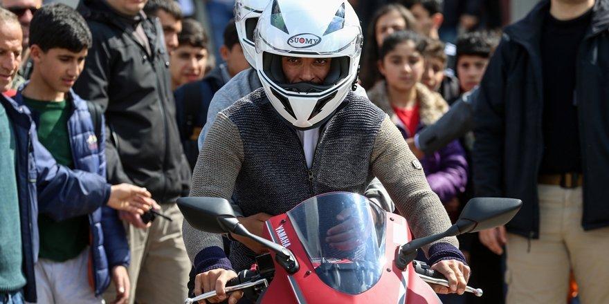 Sofuoğlu'ndan Diyarbakırlı çocuk ve gençlere motosiklet eğitimi