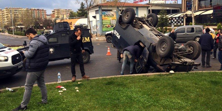 Diyarbakır'da iki zırhlı araç çarpıştı: 1 polis yaralı