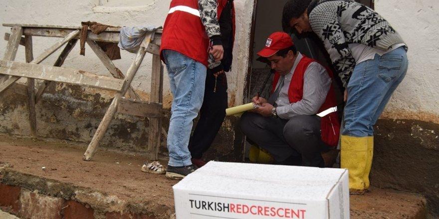 Türk Kızılay Sur Şubesi'nden selzedelere yardım eli