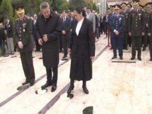 AKP'li Eronat Baydemir'in isimliğini tekmeledi