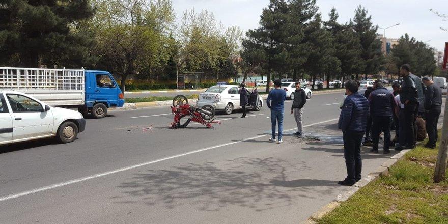 Kadın sürücü adayı kazaya neden oldu