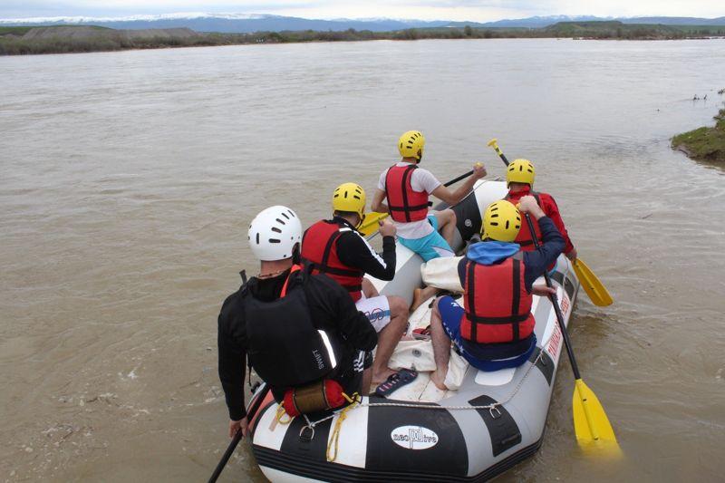 Murat Nehri'nde İlk Rafting Heyecanı !