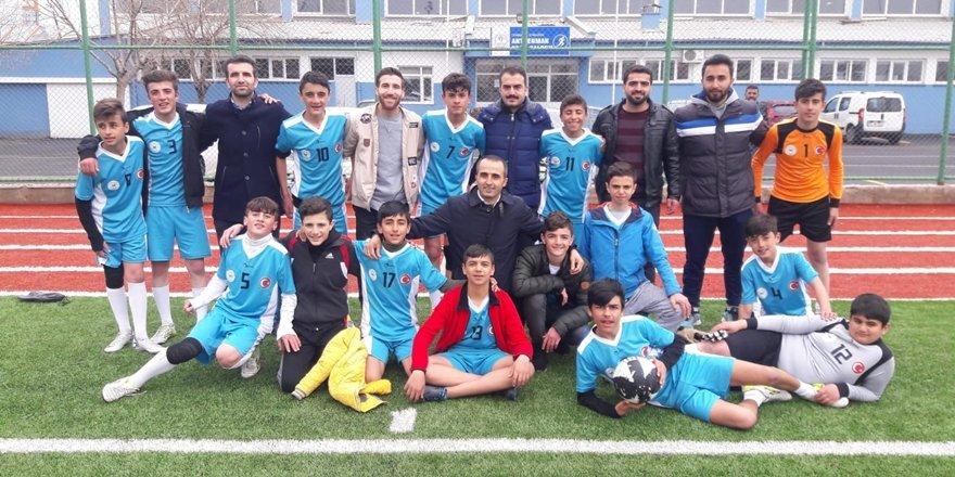 Diyarbakırlı öğrenciler Türkiye yarı finallerinde yarışacak