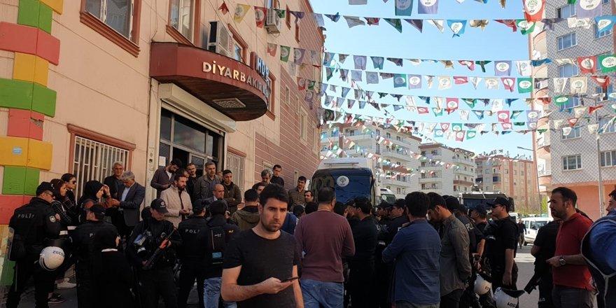 HDP il binasında güvenlik önlemi