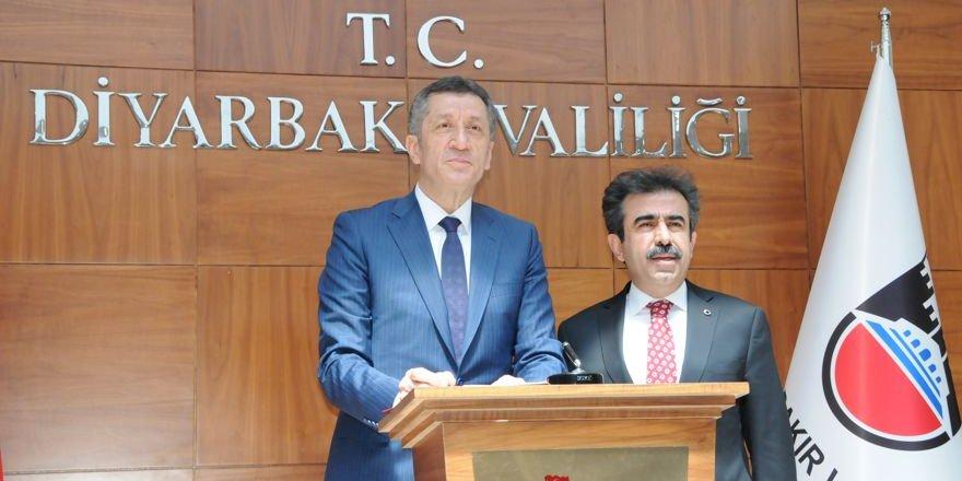 Milli Eğitim Bakanı Diyarbakır'da