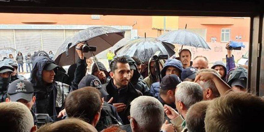 HDP Diyarbakır İl binası polis ablukasında