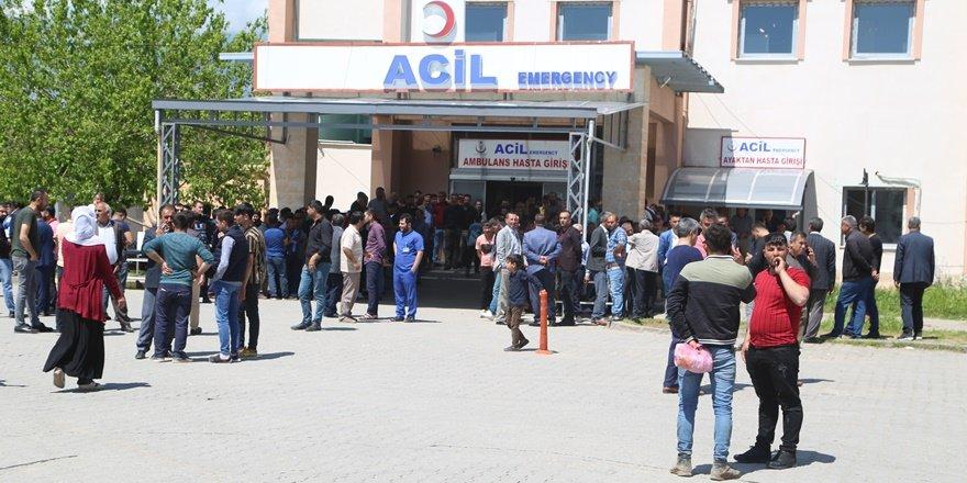 Şırnak'ta minibüsün geçişi sırasında patlama: 2 ölü