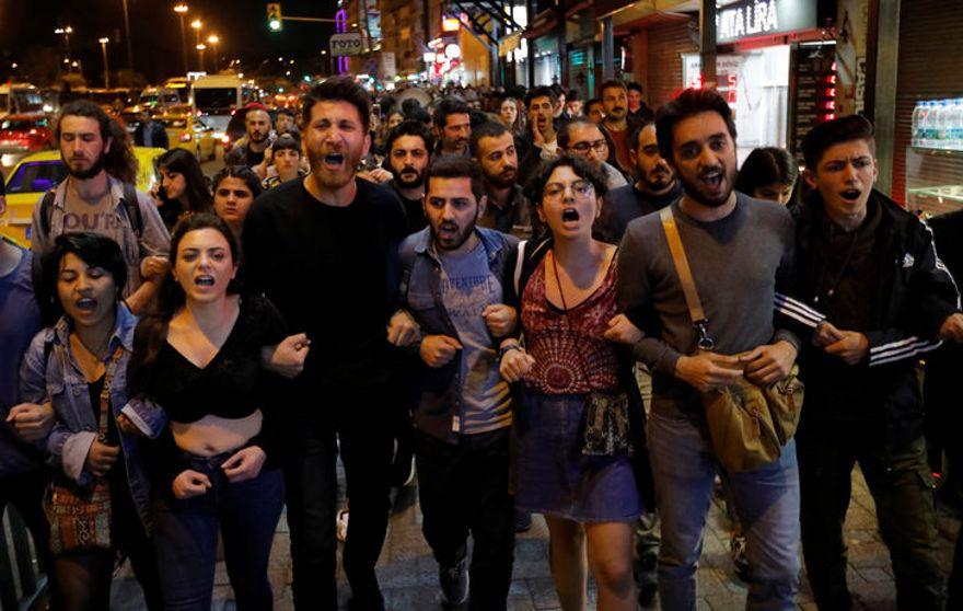 İstanbul seçimlerinin yenilenme kararına tepkiler sürüyor
